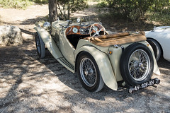 MG TC Midget - Photo of Châteauneuf-le-Rouge