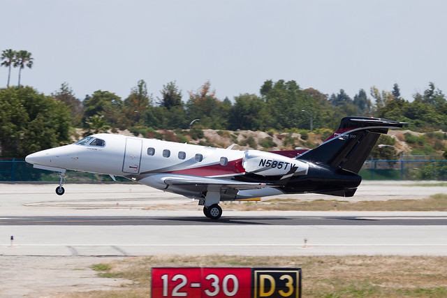Private Embraer EMB-505 Phenom 300 N585TV