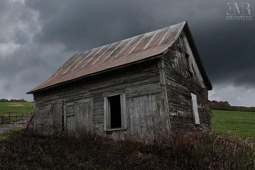 Maison abandonnée, L'affaissée