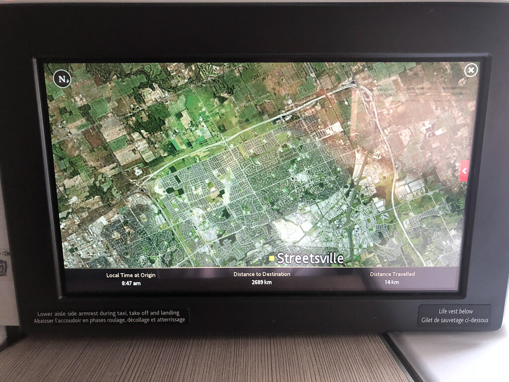 Air Show Display Options on TV Screen