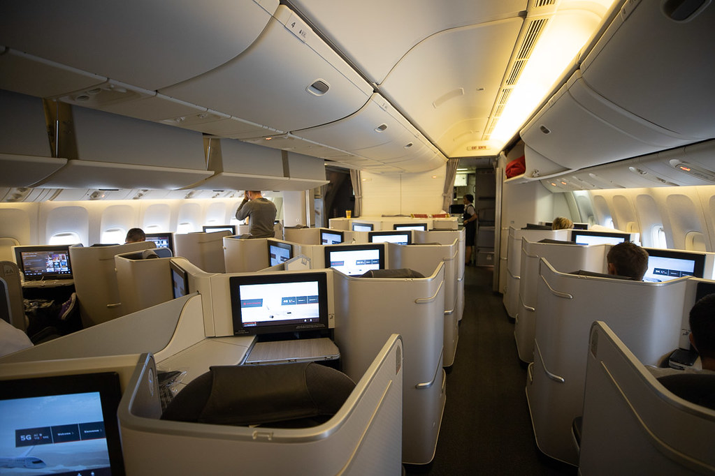 Business class cabin on Air Canada 777