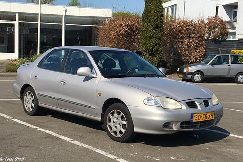 2000 Hyundai Lantra