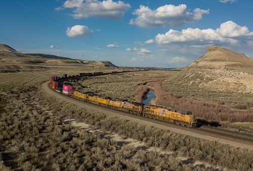 UP 7930 (ES44AC) UP Train: IG2SE-04 Purple Sage, Wyoming