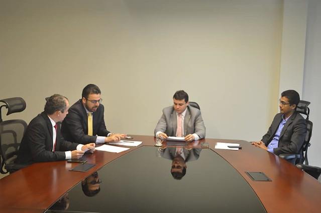 Angelo Santos visita presidente em exercício da ALEMA, deputado Glalbert Cutrim