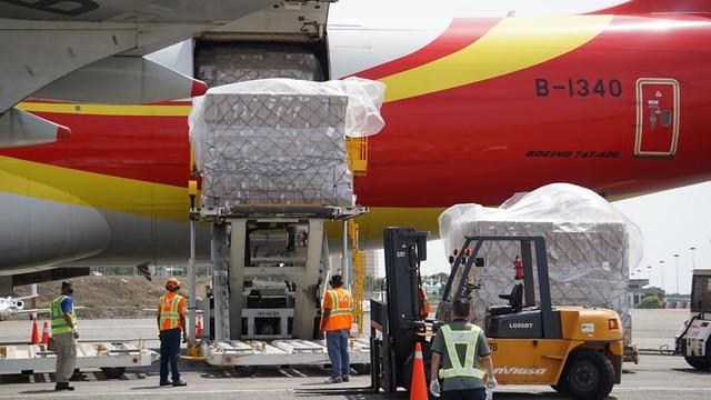 Venezuela recebe carregamento de 69 toneladas de medicamentos da China