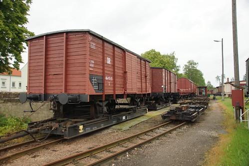 Rollschemel mit historischen Güterwagen in Mügeln