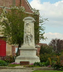 French War Memorial - Photo of Cayeux-en-Santerre
