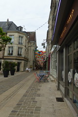 Umbrella Sky Project, Rue Chatelaine Laon - Photo of Laon