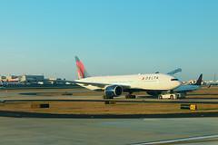 Delta N709DN: Boeing 777-200