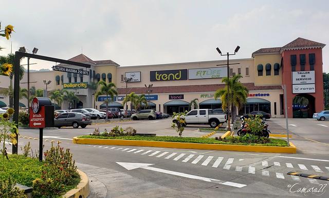 La Joya Marketplace