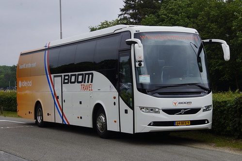 Volvo 9700 Boom Travel Team NL Volleybal spelersbus met kenteken 64-BFX-9 in Ugchelen 30-05-2019