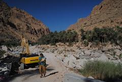 Asfaltowanie Wadi Tiwi