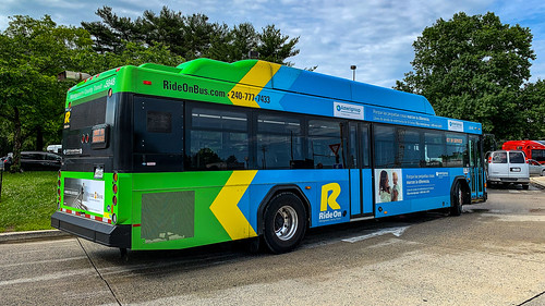 Montgomery County Transit Ride On 2014 Gillig Low Floor Advantage CNG #5848