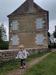 00100dPORTRAIT_00100_BURST20190519161357892_COVER - Photo of Montgivray