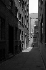 London Alleys & Courts