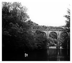 Pont sur une rivière