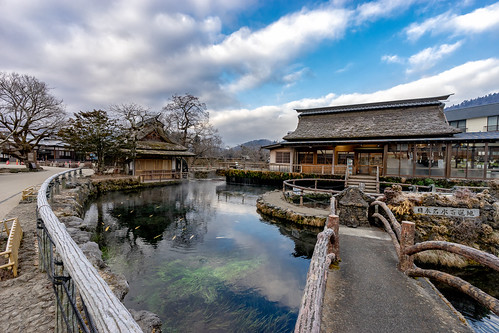 Morning chill at the eight springs of Oshino Hakkai