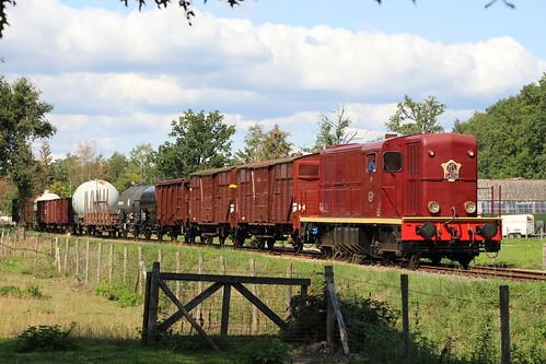 2018-09-01; 0170. VSM 2459 met trein 773. Molenallee, Loenen. Terug naar Toen.