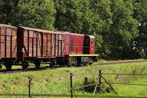 2018-09-01; 0172. VSM 2459 met trein 773. Molenallee, Loenen. Terug naar Toen.
