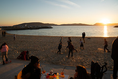 kids playing rugby on the beach that is toulon - Photo of Toulon