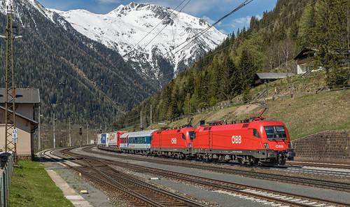 ÖBB 1116 116 en 1116 085 Mallnitz-Obervellach (Tauernbahn)