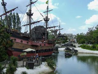 Photo 9 of 10 in the Disneyland Paris - Disneyland Park gallery