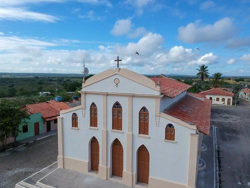 Igreja de São Vicente, Distrito de Tiquaruçu, Feira de Santana, Bahia, Brasil #dronephotography #djispark #drone #DroneDJI #DroneBahia #aerial_view #aerialview #viewfromthetop #dji  #drones #dronelife #droneworld #droneshot #aerialphotography