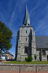 Offranville l'église Saint-Ouen et son clocher tors