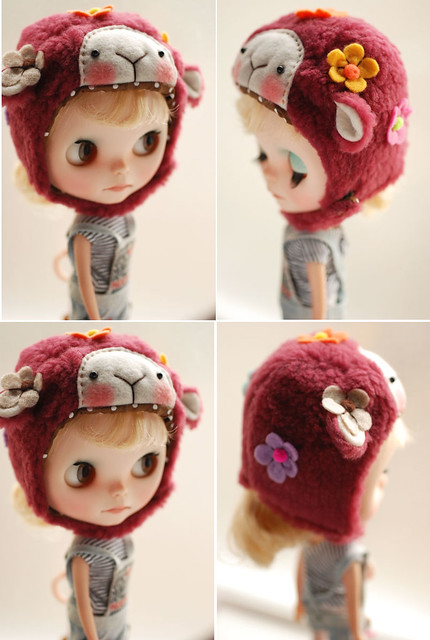 Blythe animal hat with fur chin strap - plum floral sheep (spring limited)
