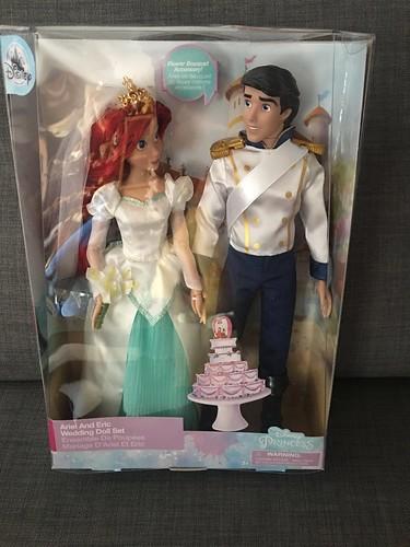 2019 Disney Store Ariel & Prince Eric 12