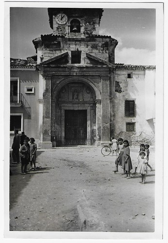 En la foto puede apreciarse el estado en que se encuentra el bello templo parroquial de Cañete, cabeza de Partido Judicial.