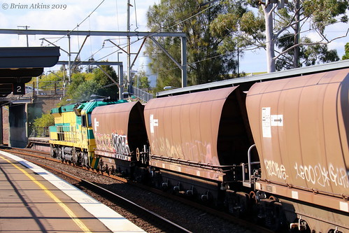 IMG_1862 CEY001 CEY007 train CEY003 Cockle Creek Station NW453 3.6.19_1