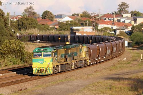 IMG_1898 CEY001 CEY007 Train CEY003 Warabrook NW454 3.6.19_1