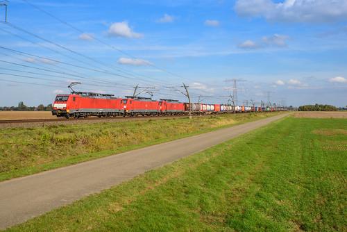 DBC 189 035 - 189 045 + 189 078 + (tank)containertrein, Angeren