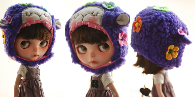Blythe animal hat with fur chin strap - purple floral sleepy sheep (spring limited)