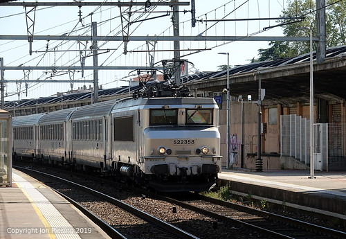 22358 at Valence Ville