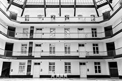 Cour du pavillon central