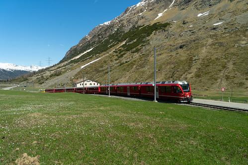Berninapass: And some red train (3/3)