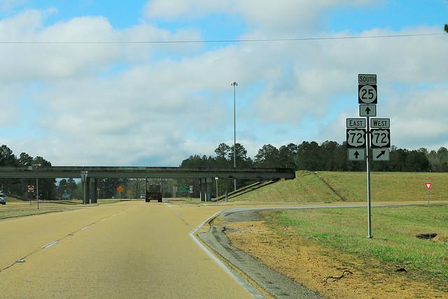 MS25 South at US72 - Iuka