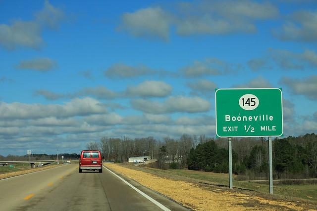 MS30 West - MS145 Booneville - Half Mile Sign