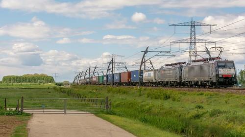 Angeren SBB Cargo 189 289-189 282 containers