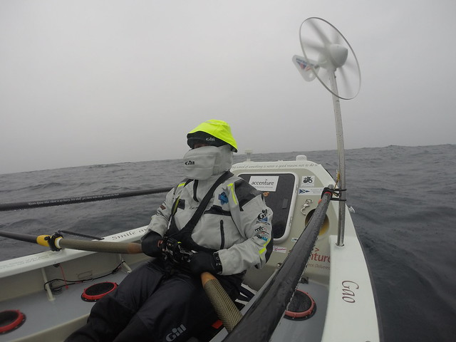 Atlantic 2015_Sarah rowing_cold & wet