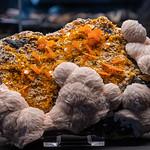 Wulfeniet met Bariet - Terra Mineralia