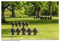 Cementerio alemán de La Cambe. Normandía / German cemetery of La Cambe. Normandy - Photo of Bricqueville