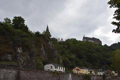 Vianden au Luxembourg ; château médiéval, construit sur la roche