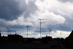 Intense activité nuageuse et aérienne - Photo of Balazé