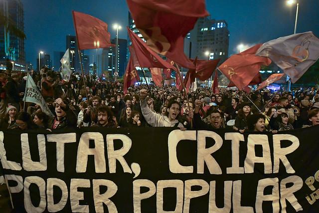 Manifestantes reunidos em São Paulo durante Greve Geral de 28 de abril de 2017, durante governo de Michel Temer - Créditos: Nelson Almeida/ AFP