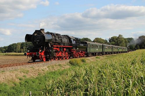 2018-09-01; 0225. VSM 52 8139 en SL 50 0073-2 met trein 40. Ruggeweg, Lieren. Terug naar Toen.