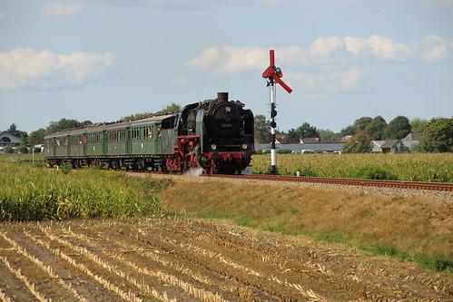 2018-09-01; 0208. VSM 50 307 met trein 39. Ruggeweg, Lieren. Terug naar Toen.
