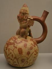 Ceramica mochica con guerrero